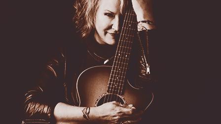 Jilla Webb | solo acoustic artist for hire